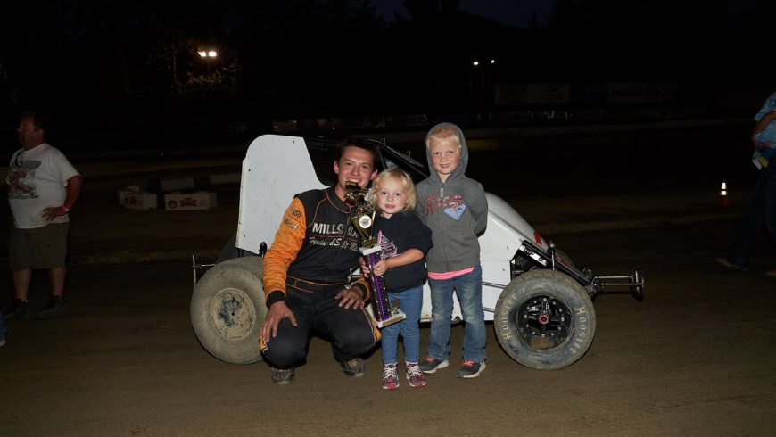 Price Wires Field Wingless at Deming Speedway